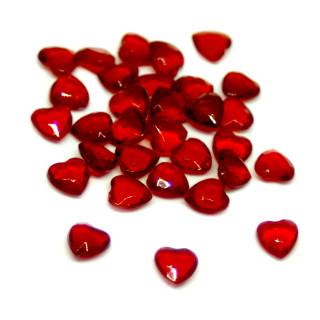 50 Herz-Steinchen Konfetti in Rot-Transparent 6mm