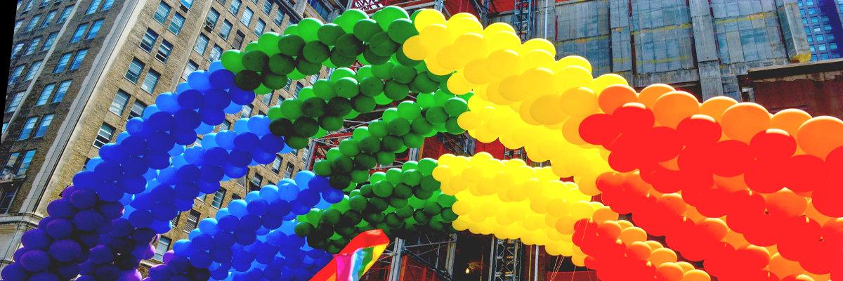 Regenbogen Ballons zum CSD